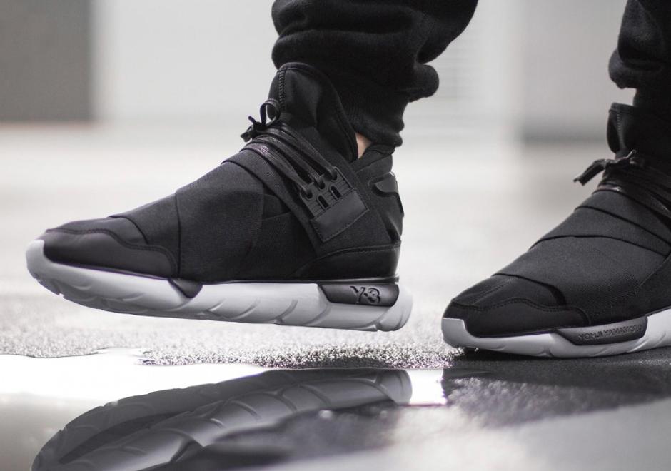 adidas y3 more december heat: the adidas y-3 qasa high in black/white LLDEIVU