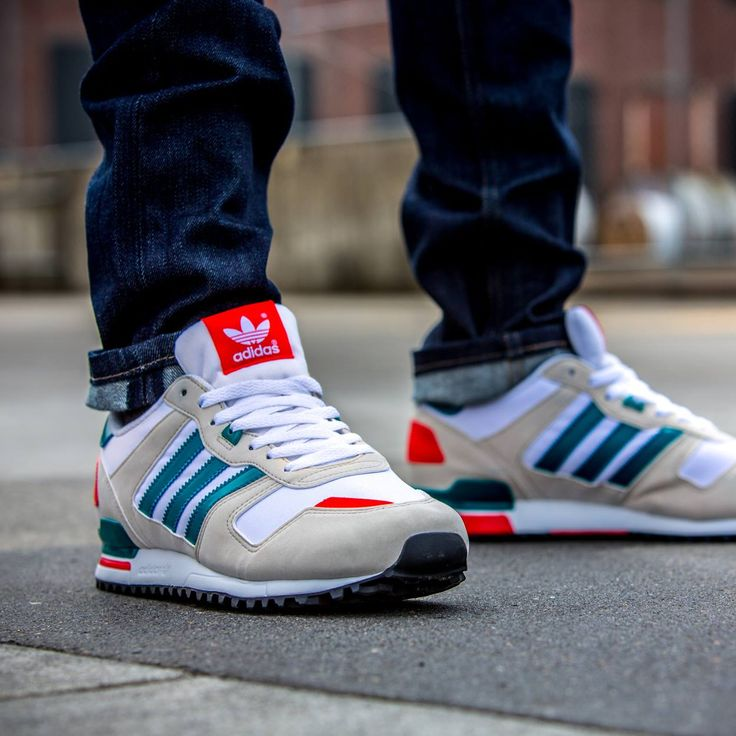 Adidas zx 700 Comes with a Sporty and Trendy Look!