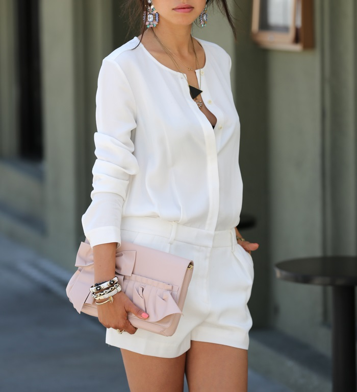 The tips of wearing an all-white romper