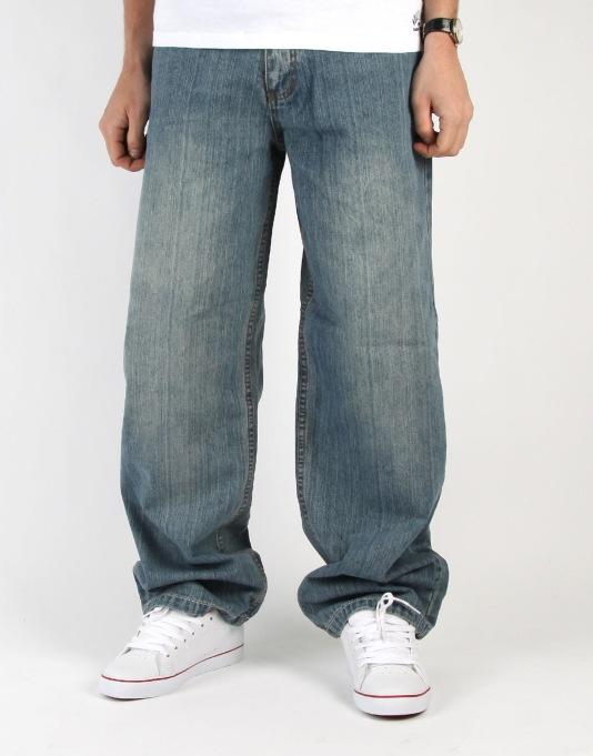 the versatile baggy jeans back in trend. Black Bedroom Furniture Sets. Home Design Ideas