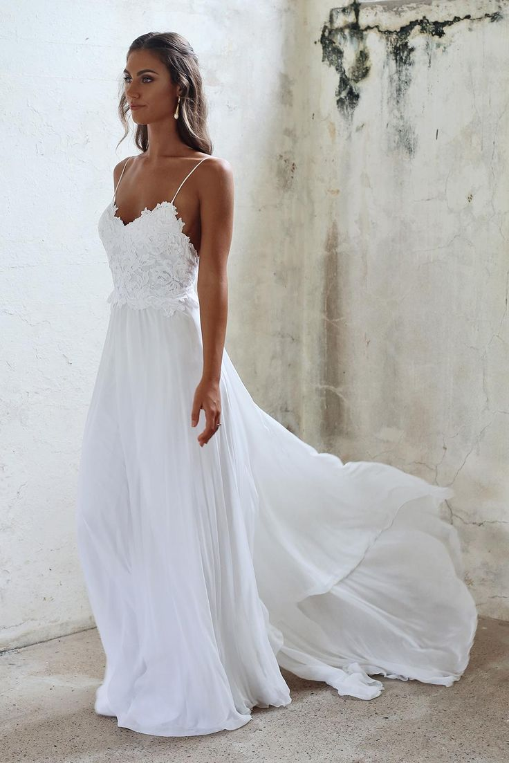 The planning of a beach wedding and the beach wedding dress