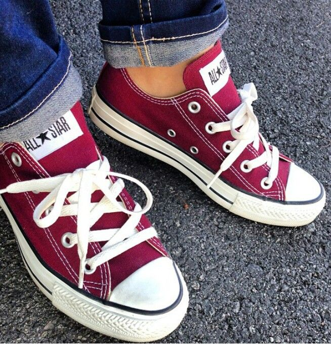 Burgundy converse – Style and Quality All In one