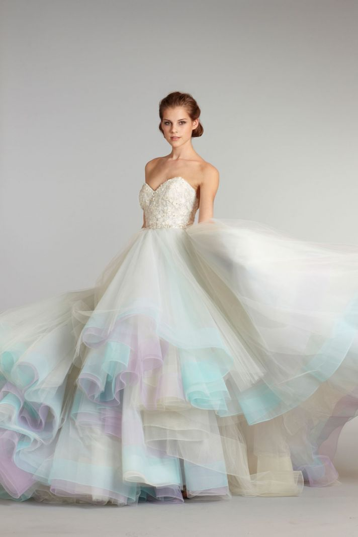 color wedding dresses 18 colorful wedding dresses for the non-traditional bride WMEKYGV