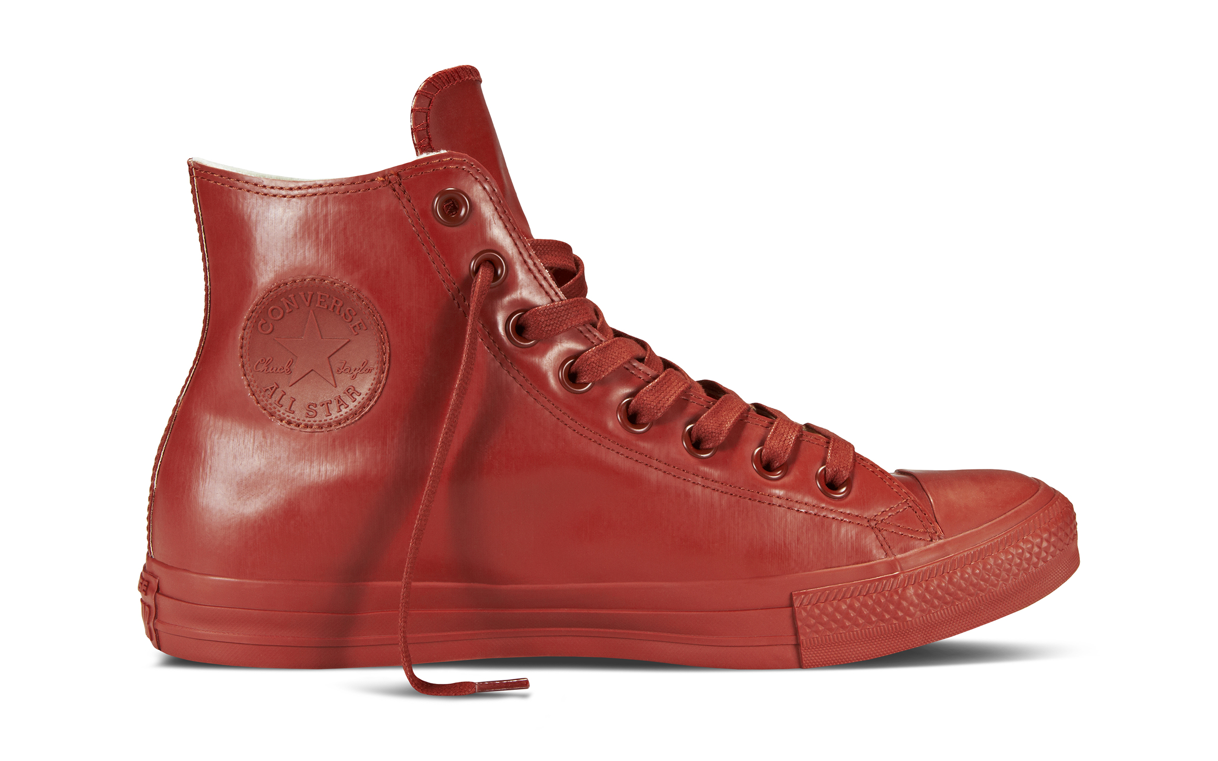 converse rubber converseu0027s new rubber chucks have you covered in the rain GBFKIVZ