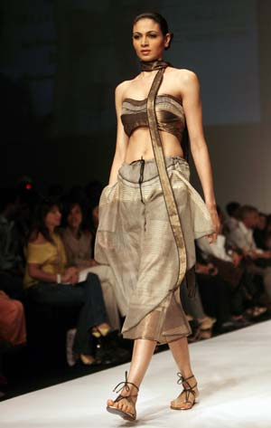 east fashion middle eastern fashion runway BHKDZOL