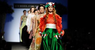 italian fashion catwalk; © paolo lanzi, www.paololanzi.com VYYIEAN