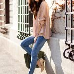The trending jeans fashion for stylish women
