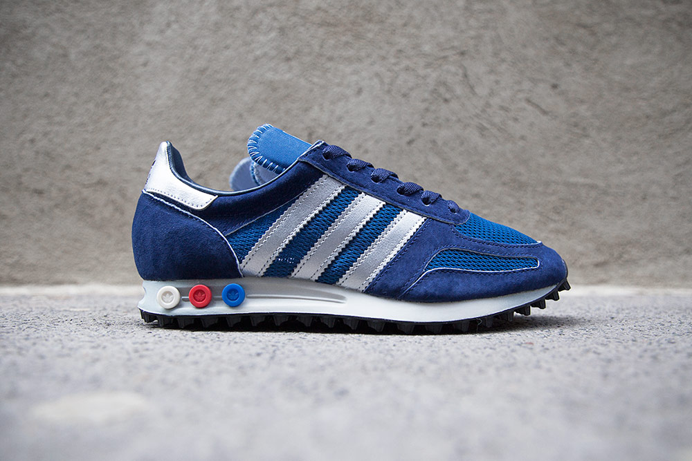 la trainer adidas versatile tones on the adidas originals la trainer og pack QVNXTOU