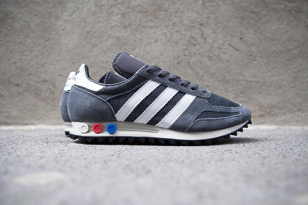 la trainer adidas versatile tones on the adidas originals la trainer og pack YBJYBFW