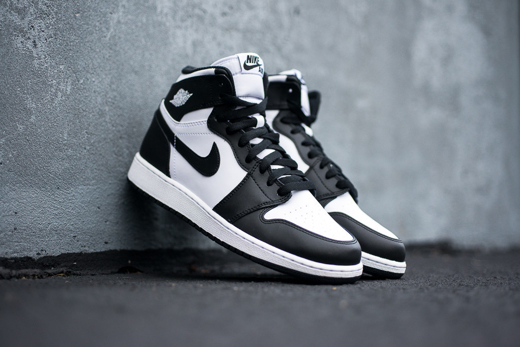 nike air jordan air jordan 1 retro high ogs in black and white are almost here at PQBVALH