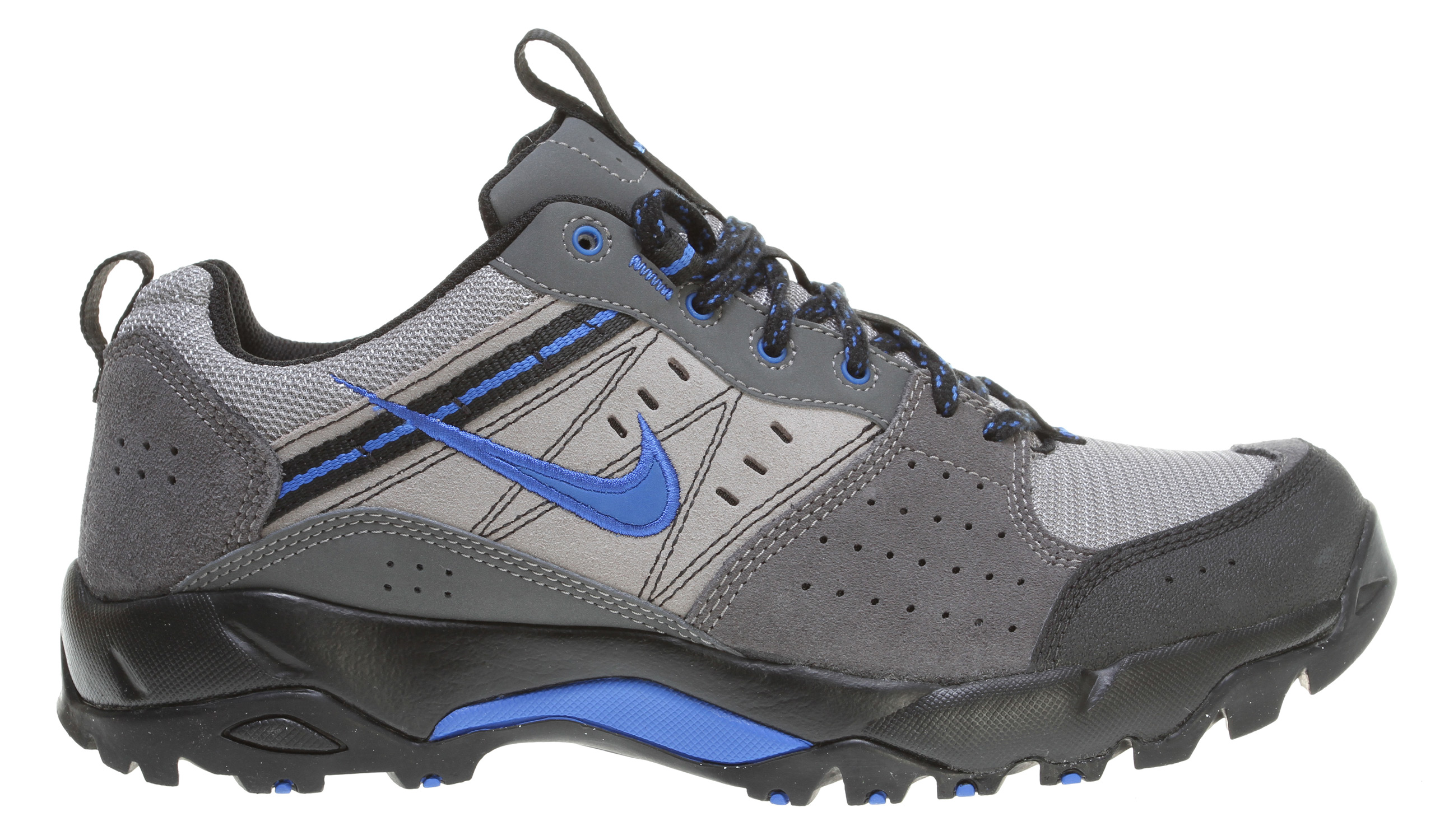 Nike hiking shoes –Why they are one useful item?