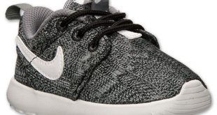 nike shoes for kids boysu0027 toddler nike roshe run print casual shoes | finish line | black/white LRGFUSA