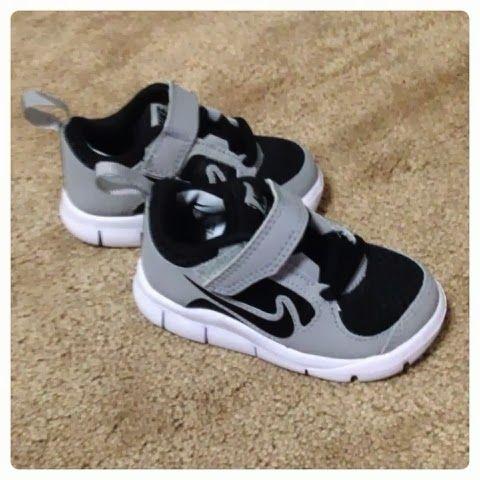 ryneu0027s baby nike shoes . so cute :) LXIRFHQ