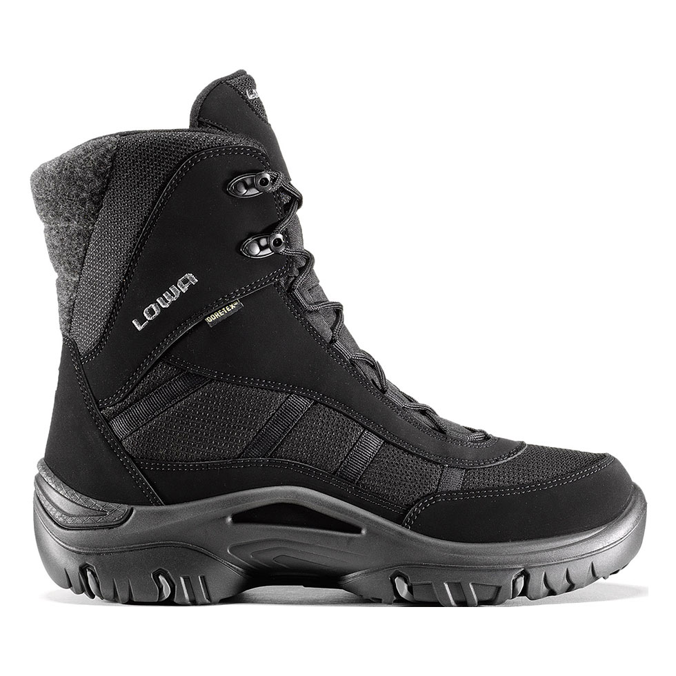 Wear high fashioned snow boots to protect your feet from the snow
