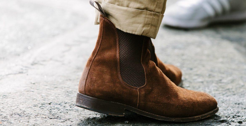 suede shoes suede chelsea boots beige chinos EIEQHJC