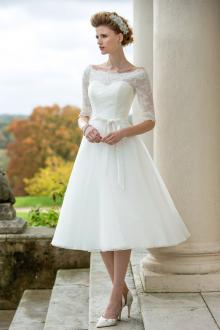 tea length wedding dresses bateau neck half sleeves a line tea length tulle wedding dress ZDACRYJ