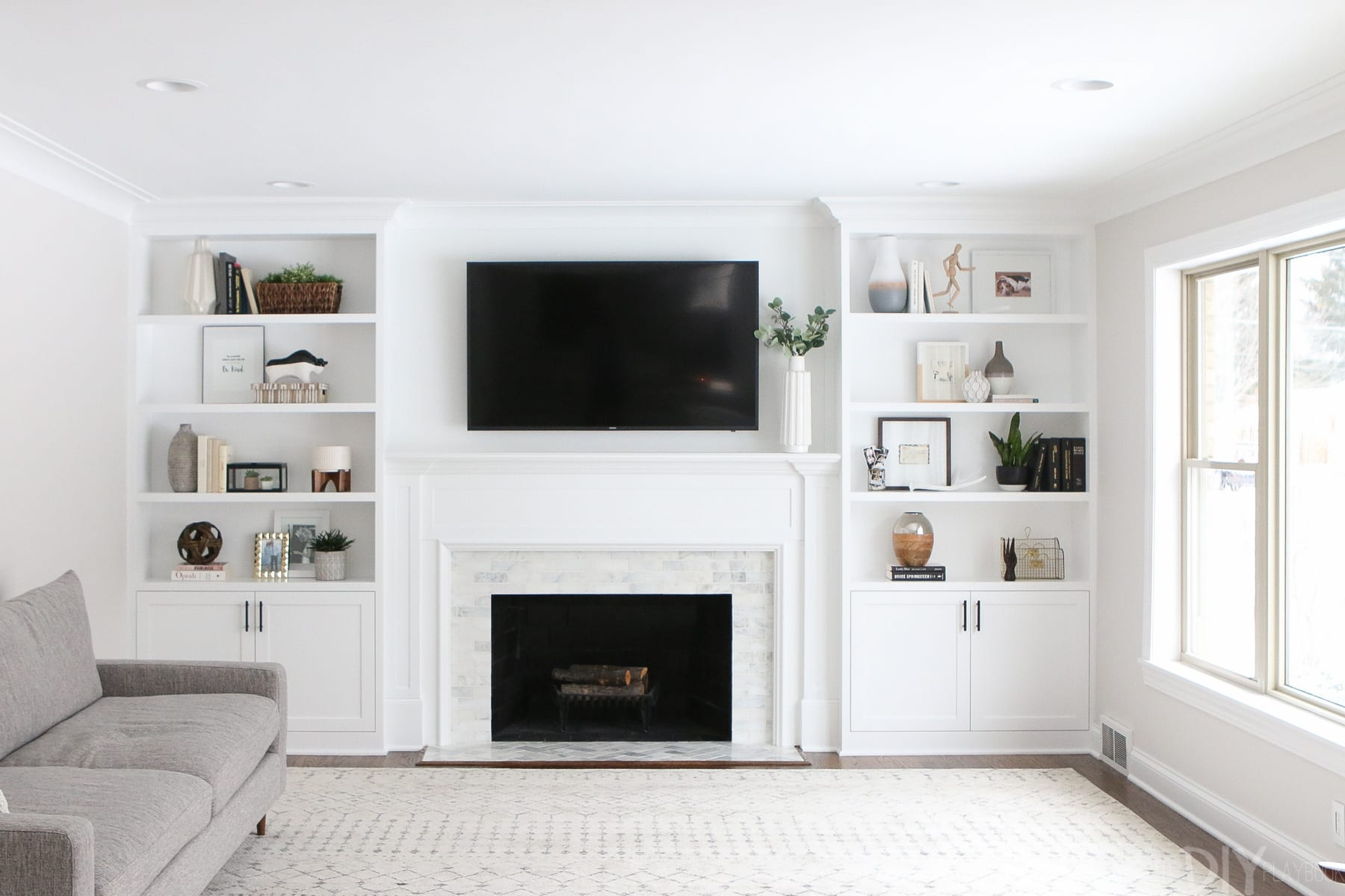 Decorating Shelves decorating built-in shelves can be difficult. read these tips to improve  your home YIPWVCJ