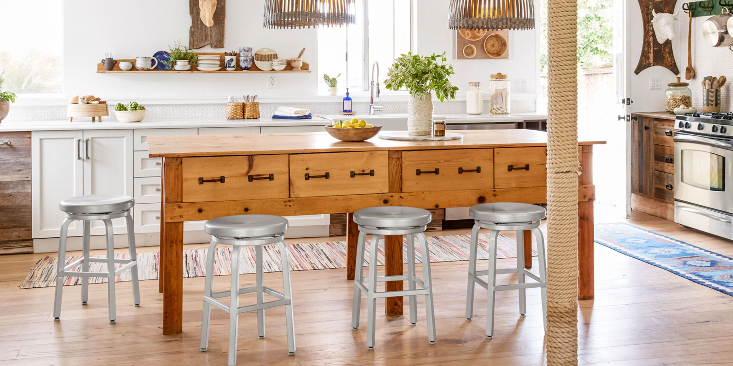 Kitchen Islands add storage, style, and extra seating with a standalone kitchen island. OEUTOUT
