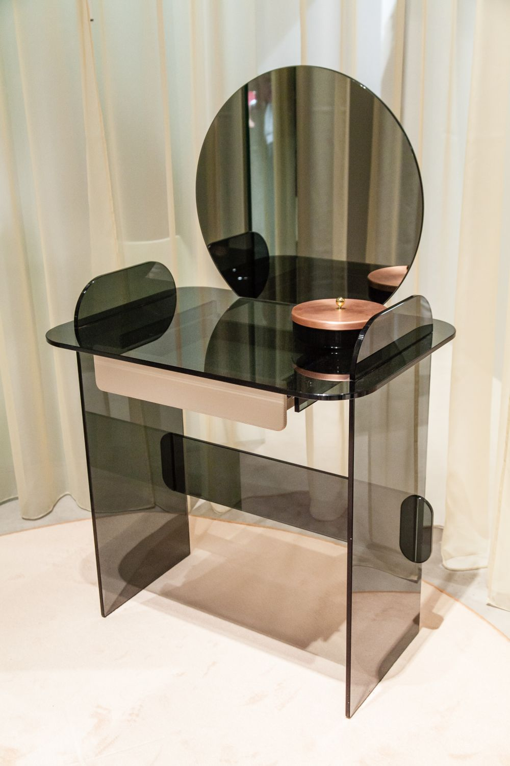 Makeup tables modern makeup tables with simple yet exquisite designs KDJZVPM