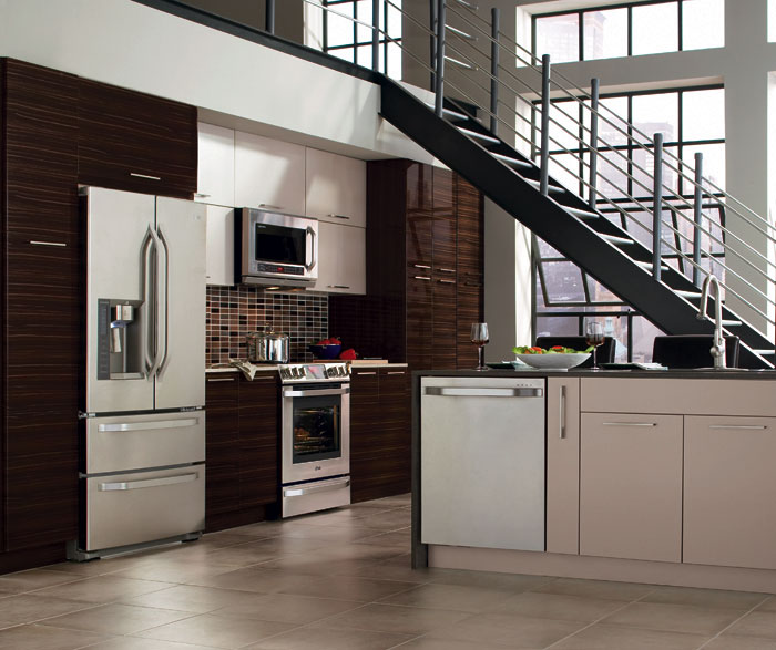 High gloss kitchen: advantages and disadvantages of a shiny kitchen