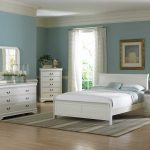 For a bright and friendly room atmosphere: bedroom white furniture sets