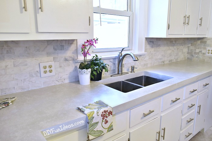 Concrete worktop in the kitchen how to make beautiful white cast in place concrete countertops AYRZYRM