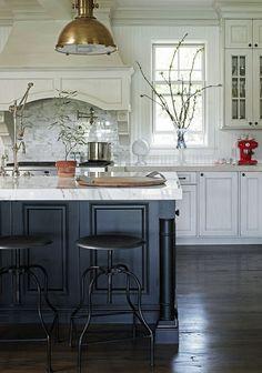 dream kitchens with white kitchen islands matte black hardware on black and white cabinets. santa barbara design  house YMVLGCB