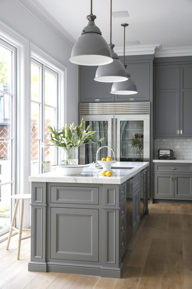 Gray Kitchens grey is such a perfect colour for this san francisco home...bringing the XEZYMGL