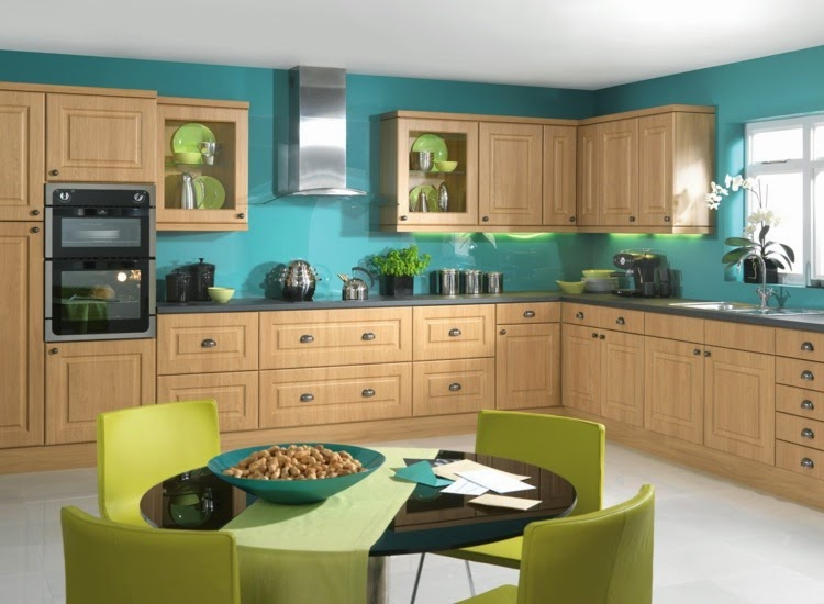Colored walls in the kitchen – The 7 best wall-planning tips