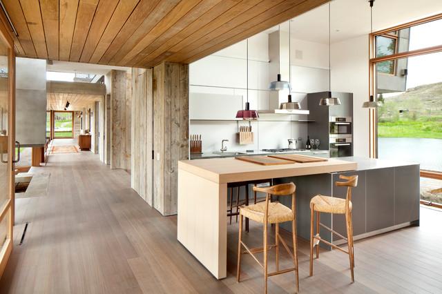 Modern kitchen with wooden floor huum project photos modern-kitchen UZLJHCH