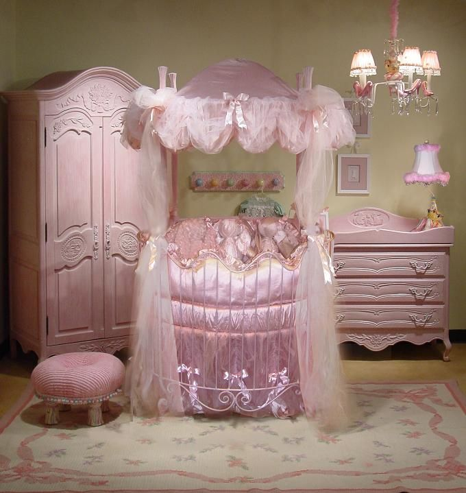 Princess Cots french country baby nursery iron round crib canopy bed | baby fever | AJLBTOC