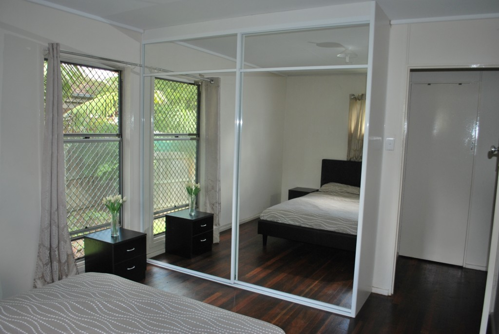Sliding door wardrobes with mirror sliding doors QCNVLZE