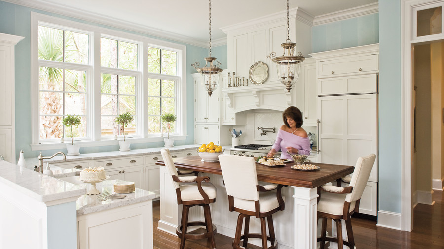 White kitchens: ideas and images for kitchens in white