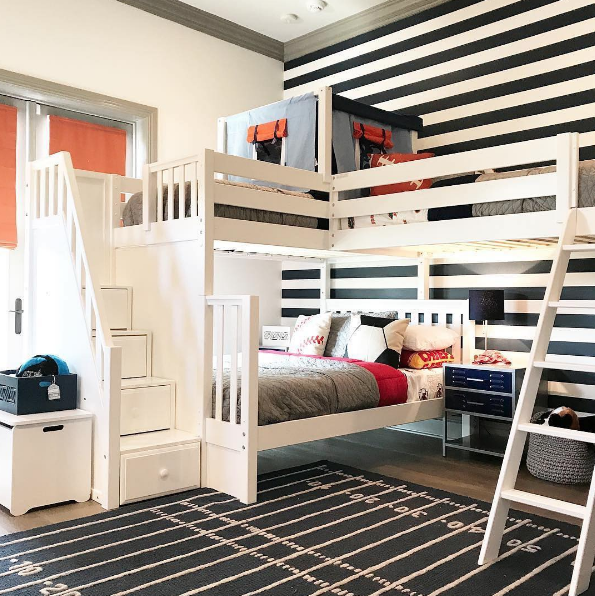 Corner bunk beds