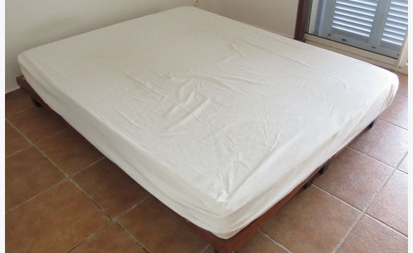Bed (mattress & box spring) 160 x 200 or / and 140 x 200 - Furniture