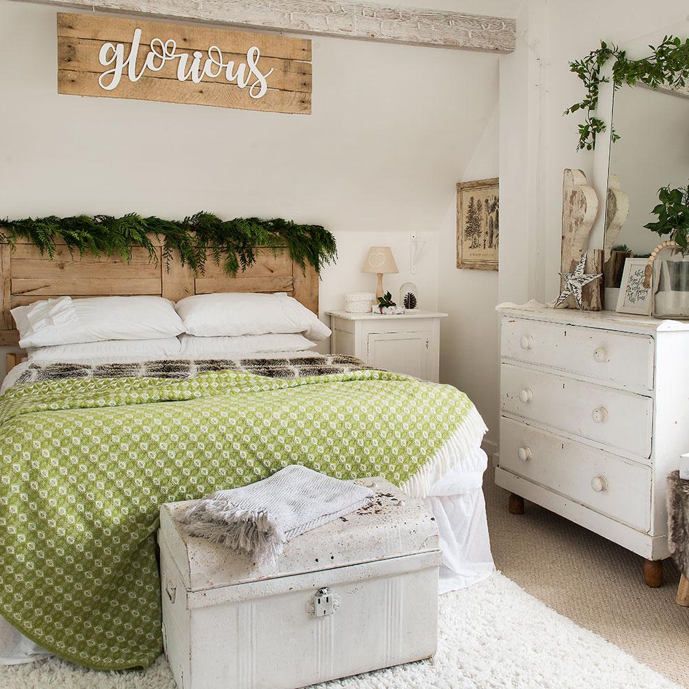 Christmas-bedroom-decor-2