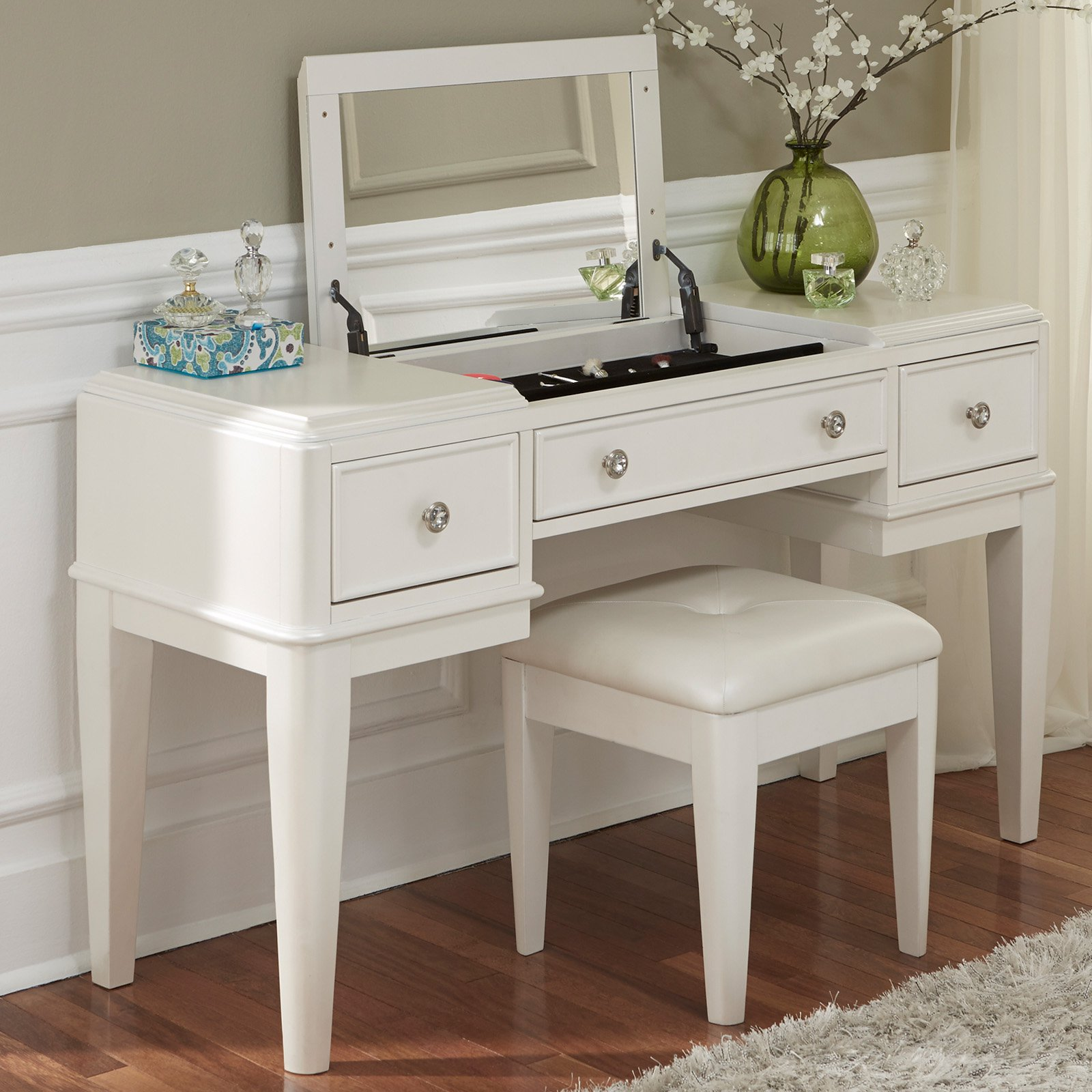 Liberty Furniture Stardust Bedroom Vanity with Optional Stool - Traveller Location