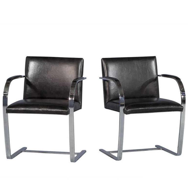 Pair of Chrome and Black Leather Armchairs Attributed to Milo Baughman For  Sale