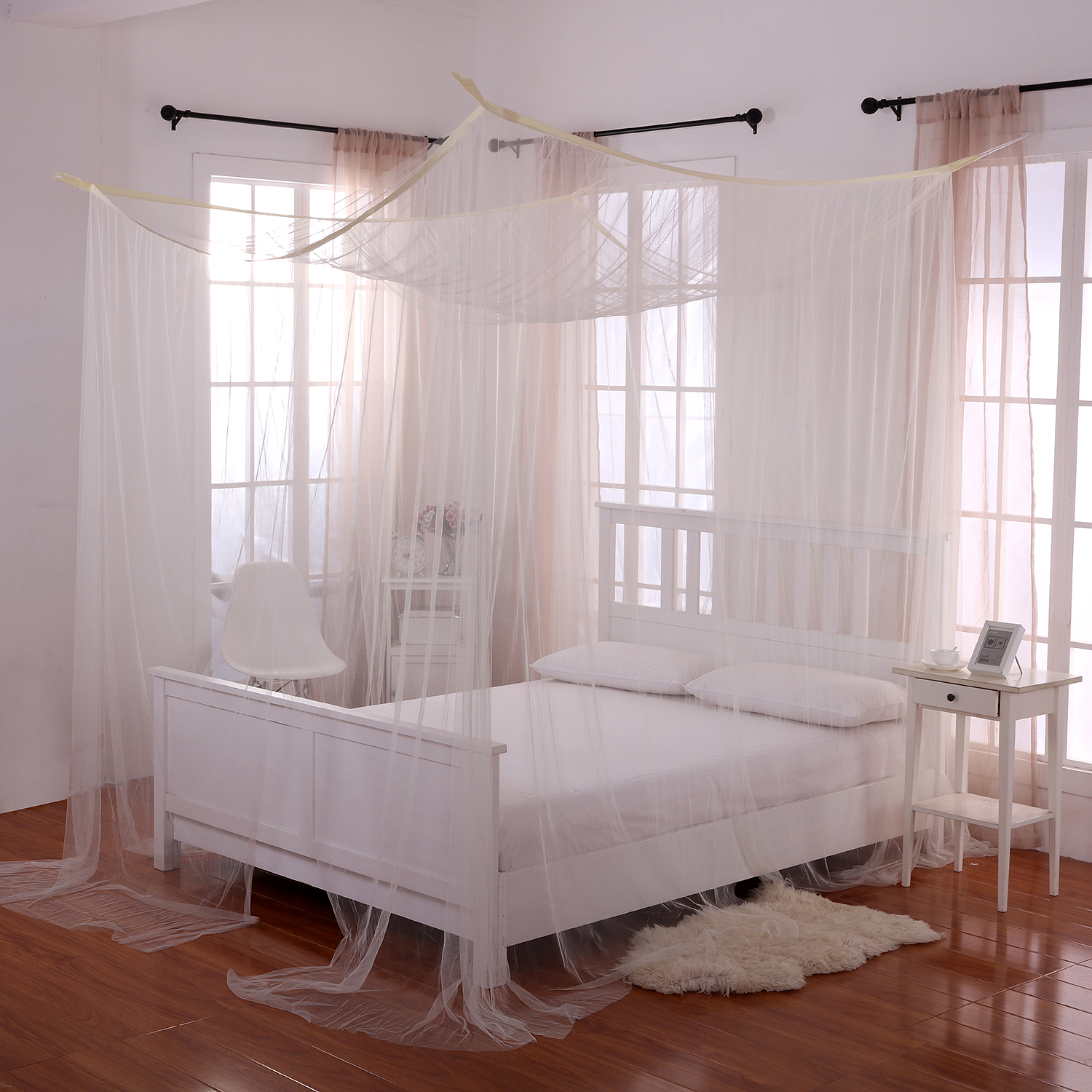 Casablanca Palace 4-Post Bed Sheer Panel Canopy