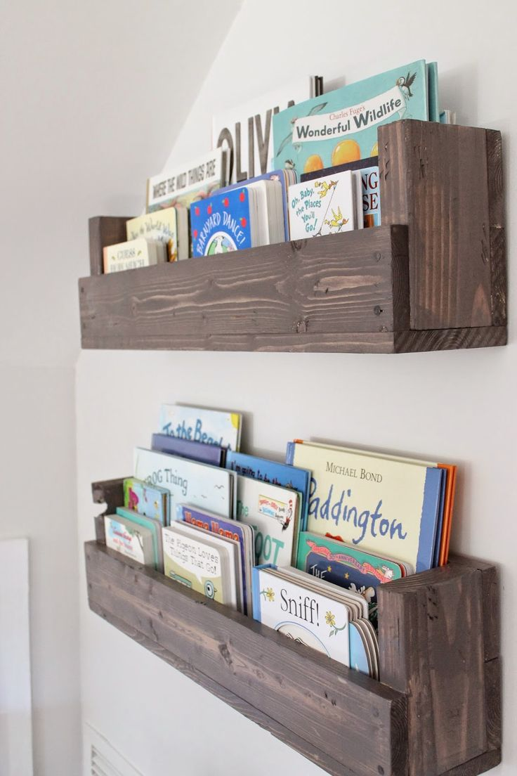 See how Caitlin from The Picket Fence Projects whipped up these rustic  bookshelves
