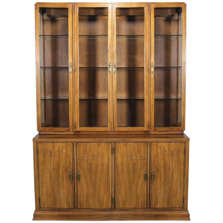 Davis Cabinet Lighted Display Cabinet China Hutch Vintage Mid-Century  Modern For Sale