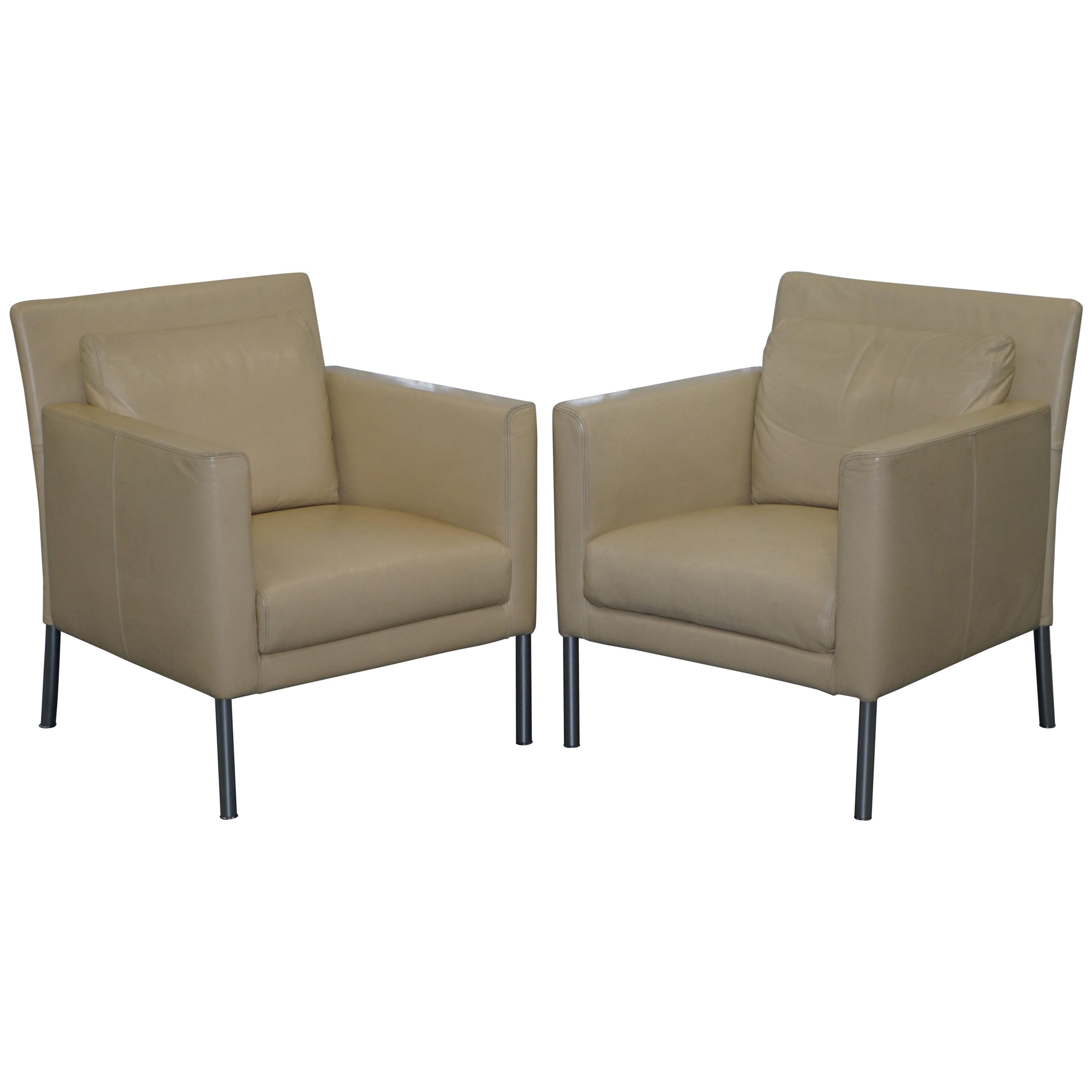 Pair of Walter Knoll Jason 391 Cream Leather Contemporary Armchairs For Sale