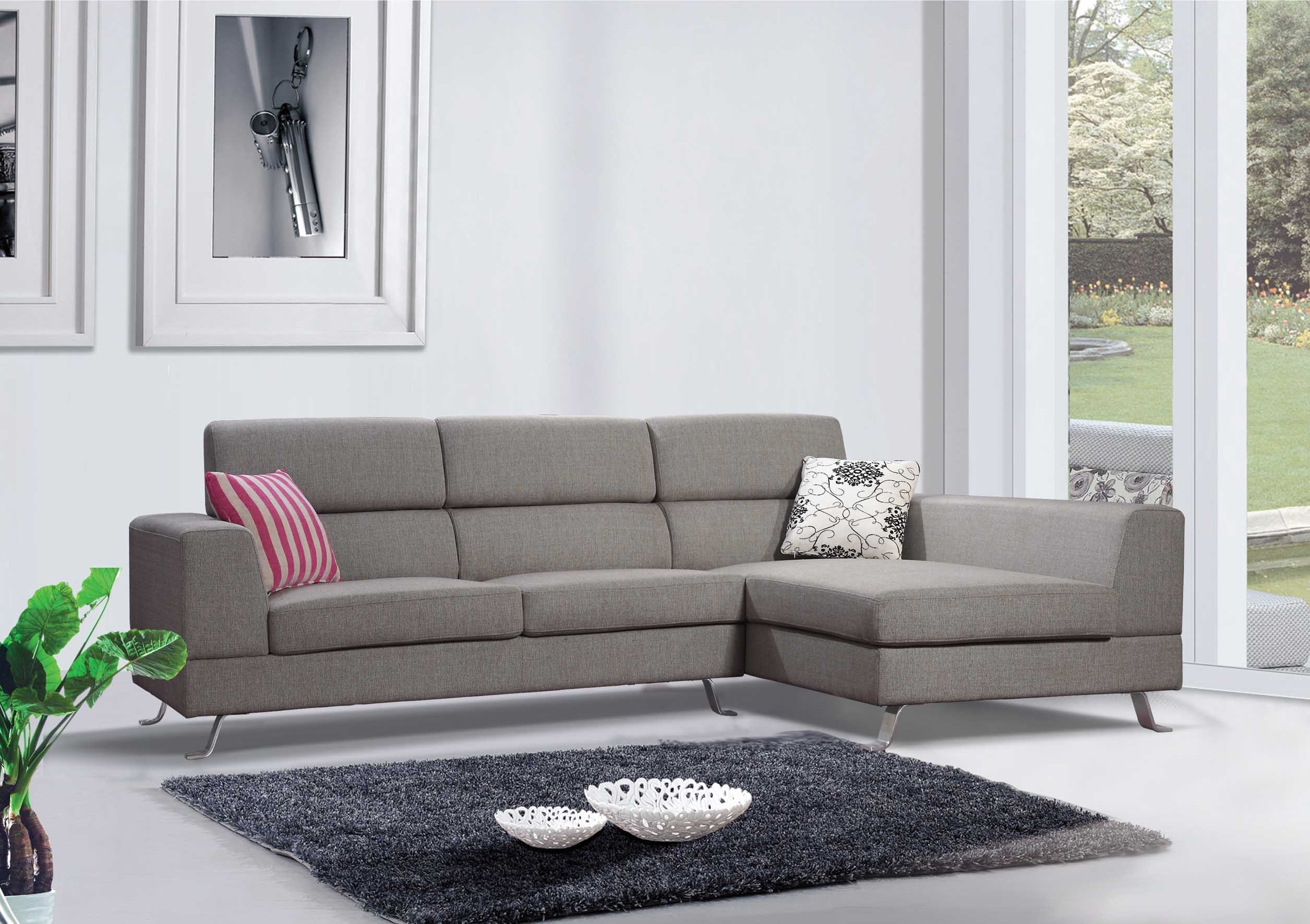 Kileen Modern Contemporary Grey Linen Fabric Sectional Sofa