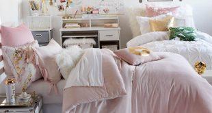 Hello Gorgeous Room