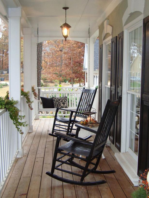 Make your porch appealing with elegant front porch furniture
