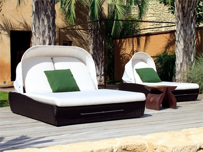 Garden sofa designs of Venice for a stylish patio furniture