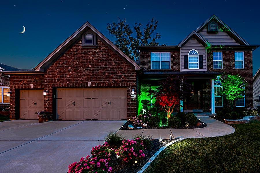 G-LUX series 5 Watt High Power LED Spot Light: Installed Shinning on Trees  & Statue