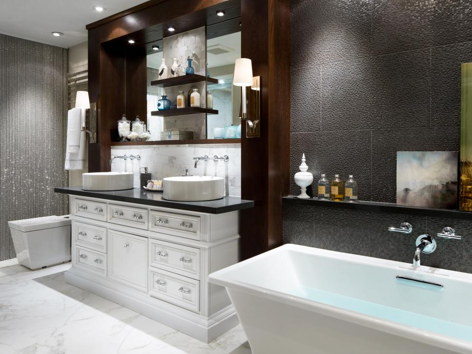 Luxurious Bathroom Makeovers From Our Stars