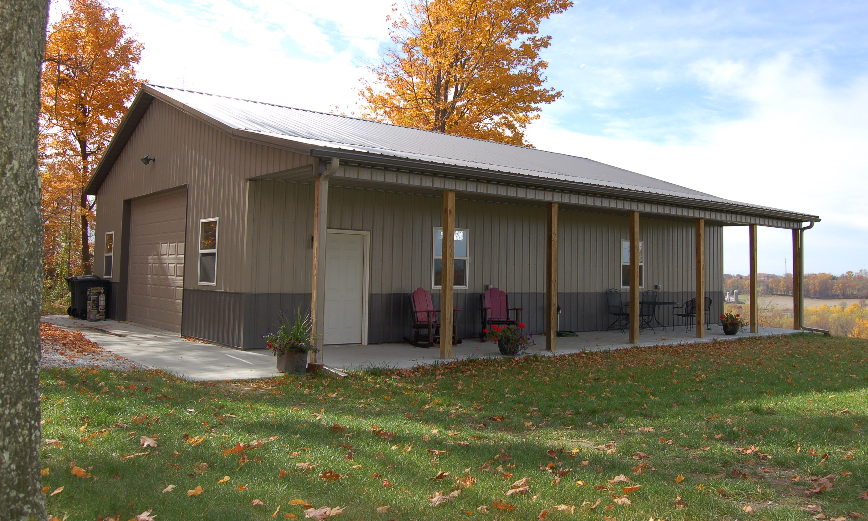 Custom garage with porch from Pole Barns Direct