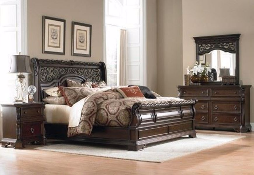 Picture of ABBEY PARK QUEEN BEDROOM SET